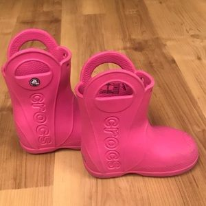 CROCS Shoes - Little Girls Crocs size 7-Garden/outdoor